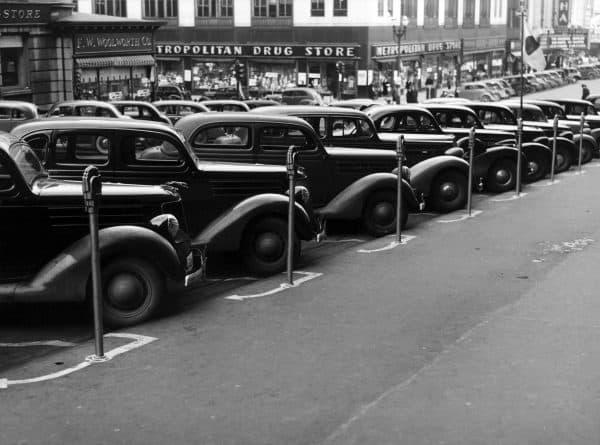 Seit das Auto zum Massengut wurde ist es ein Problem: das Parken!