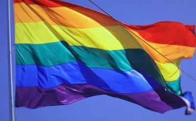 Regenbogenfahne: Zeichen der Toleranz, Akzeptanz, Vielfältigkeit, der Hoffnung und der Sehnsucht.